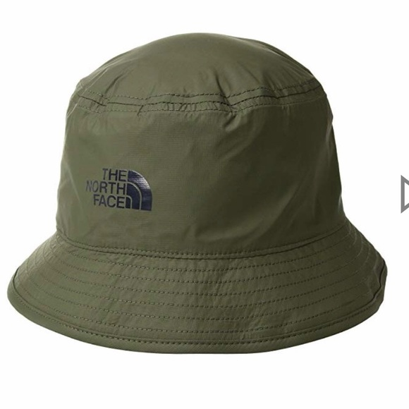 80b9377d5 The north face reversible bucket hat camo NEW NWT